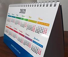 Дизайн и печать настольного перекидного календаря