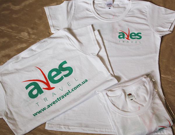 Печать логотипа на футболке