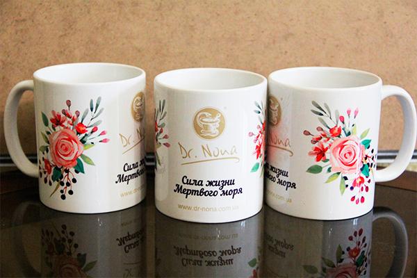 Дизайн и печать на чашках для компании Dr. Nona